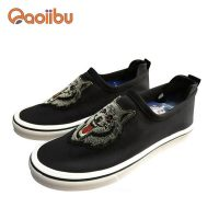 Custom embroidery logo men canvas shoes